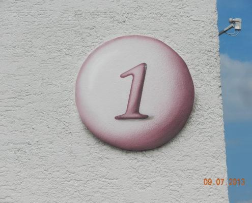 Hausnummer in Kanzach