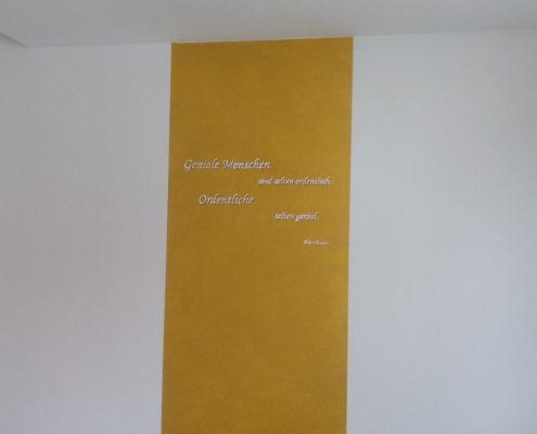 Farbgestaltung gold mit Spruch